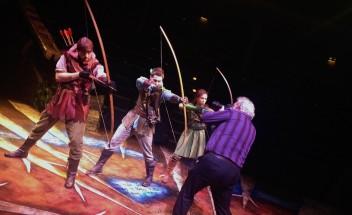 Sentinel photocall for Robin Hood & Marian
